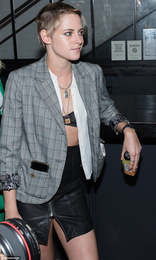 Kristen Stewart on date night with Stella Maxwell in NY | Daily Mail Online