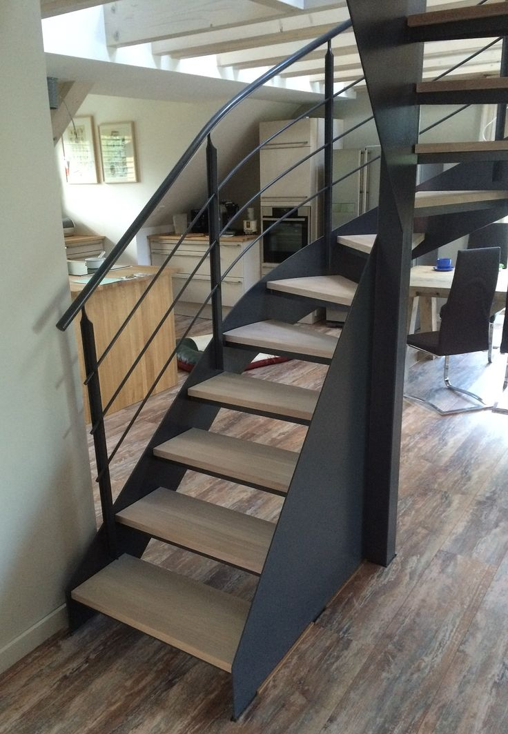 die 25 besten ideen zu gewendelte treppe auf pinterest. Black Bedroom Furniture Sets. Home Design Ideas