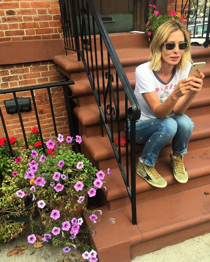 """19.8k Likes, 363 Comments - Carole Radziwill (@caroleradziwill) on Instagram: """"Because the NYT updates don't wait till you're inside... reading glasses+sunglasses 😎😎#bestideaever…"""""""