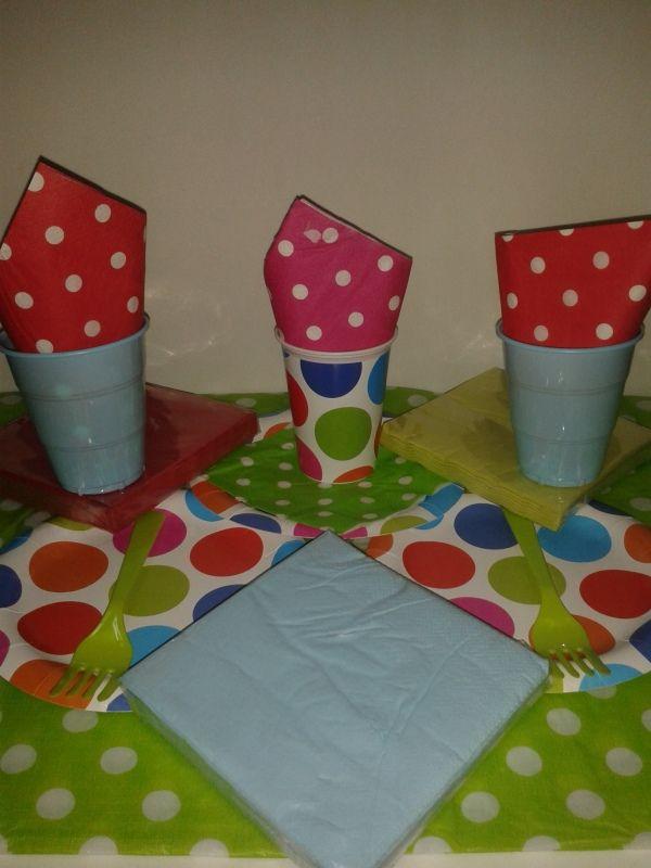 Punticos de colores para una fiesta de cumpleaños