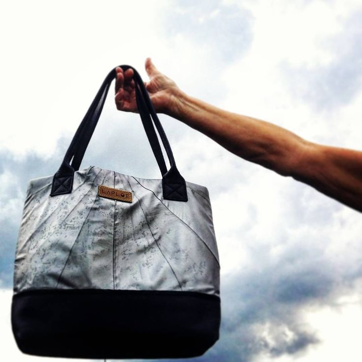 The #rain  again !  #laploe #madeinitaly #handmade #italy #recycle #green #gogreen #blue #water #black #grey #silver #fashon #bag #design #bags #sky #rainyday #fashion #style