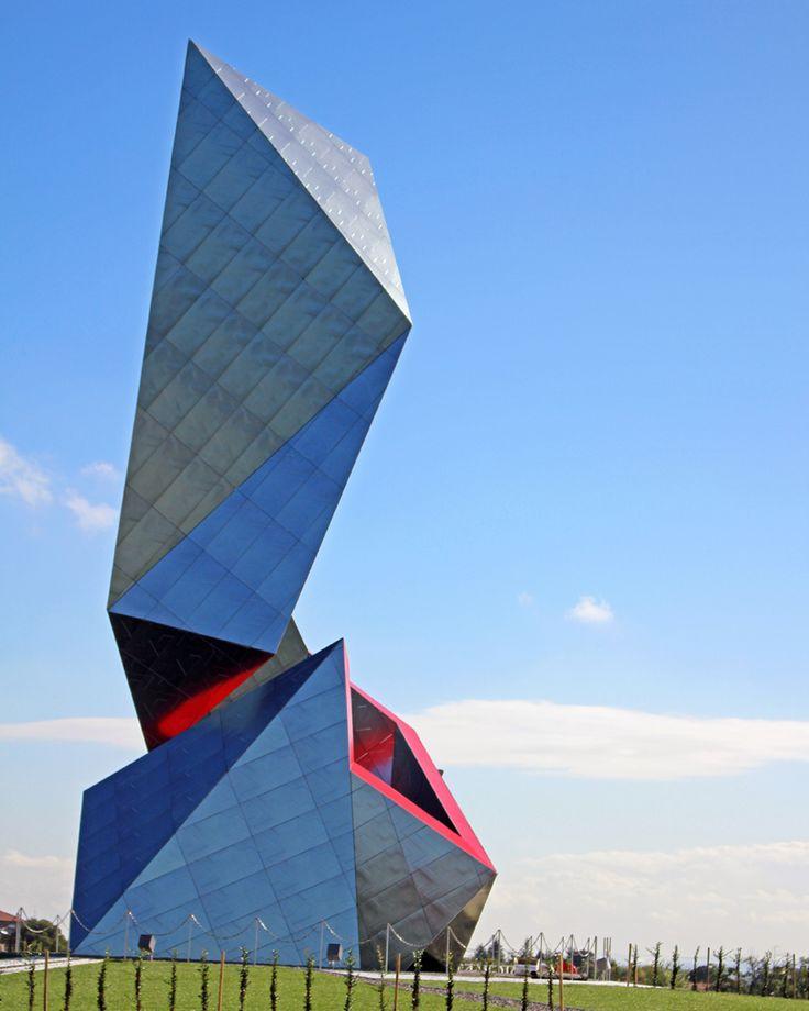 daniel-libeskind-the-crown-installation-casalgrande-padana-italy-designboom-02