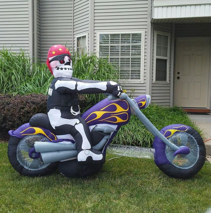 Gemmy Airblown Halloween Inflatable Skeleton Biker On Motorcycle Yard Ornament