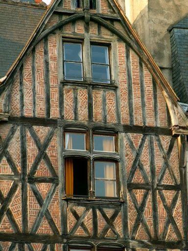 La place Plumereau ,Tours, Indre et Loire