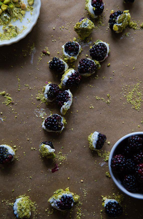Blackberry Bonbons: Bonbons Berries, Desserts Dessertrecipes, White ...