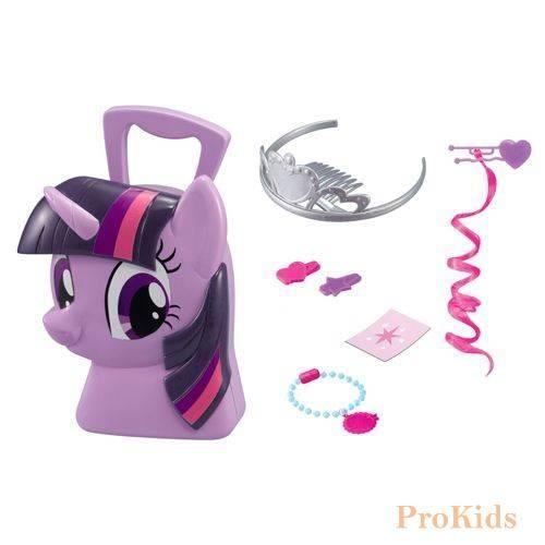 Игровой набор кейс Принцессы Сумеречной Искорки, My Little Pony  Цена: 179 UAH  Артикул: 1680806  Кейс Принцессы Сумеречной Искорки - увлекательный набор для сюжетно-ролевой игры, который придется по вкусу маленькой принцессе.  Подробнее о товаре на нашем сайте: https://prokids.pro/catalog/igrushki/igrovye_nabory/igrovoy_nabor_keys_printsessy_sumerechnoy_iskorki_my_little_pony/