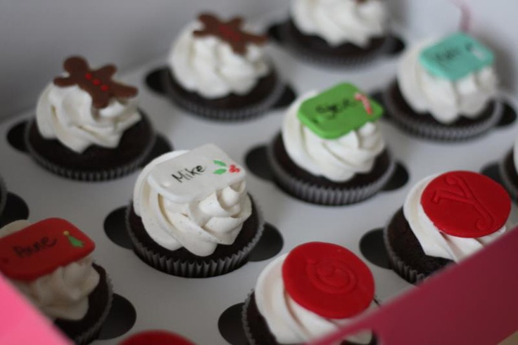 Christmas Cupcakes!   FortunatelySweet.com