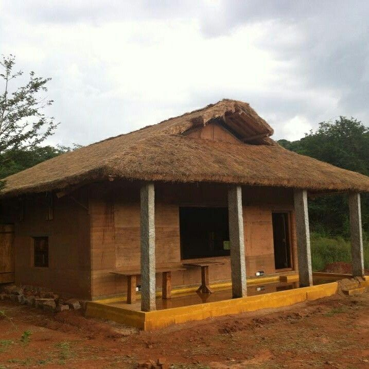Customized rammed earth cottage