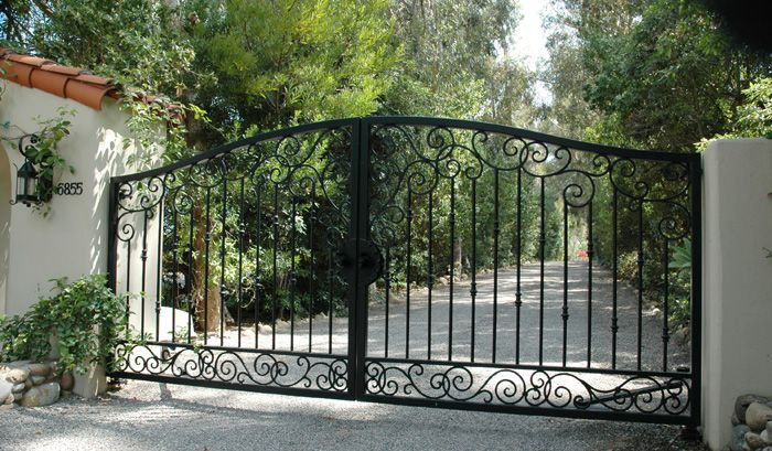 17 best images about landscaping patio gate ideas on for Best driveway gates