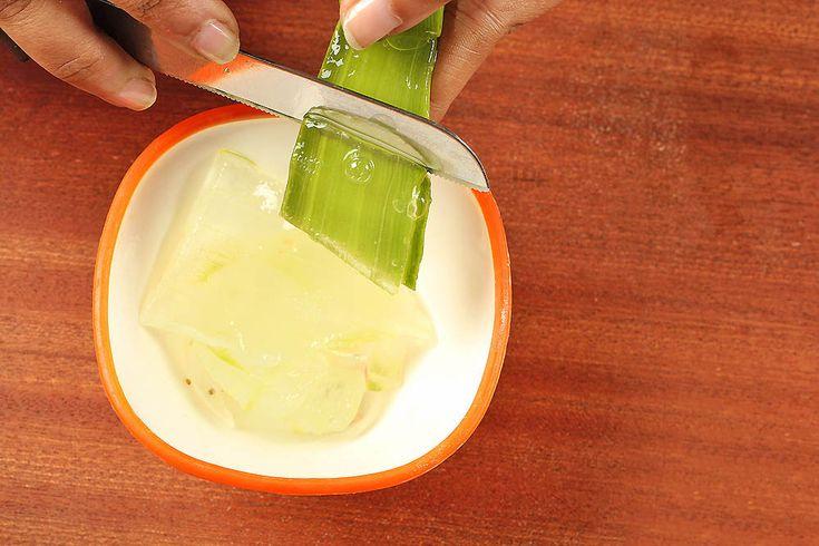 Aloe Vera suyu doğal besinler ve lif açısından zengin yaprak hamurundan oluşur. Cilt için bu iyi bilinen bitkisel ilaç aynı zamanda içsel iyileşme, temizlik ve onarım için bir beslenme içeceği olarak kullanıldığında pek çok avantaja sahip olduğu gözlenmiştir. Bununla birlikte, olumsuz yan... http://www.mucizevialoevera.com/genel/aloe-vera-suyu-alma-saglik-riskleri-ve-faydalari/