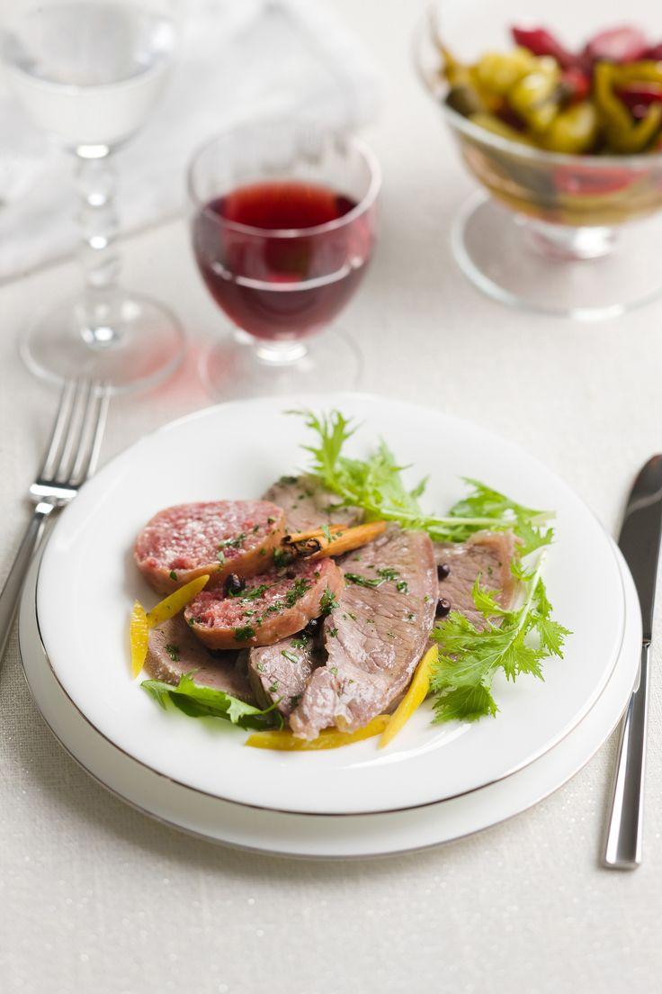 Il bollito di carne è diventato un vero e proprio must della tradizione italiana. Guarda su Sale&Pepe le migliori ricette di bollito di carne