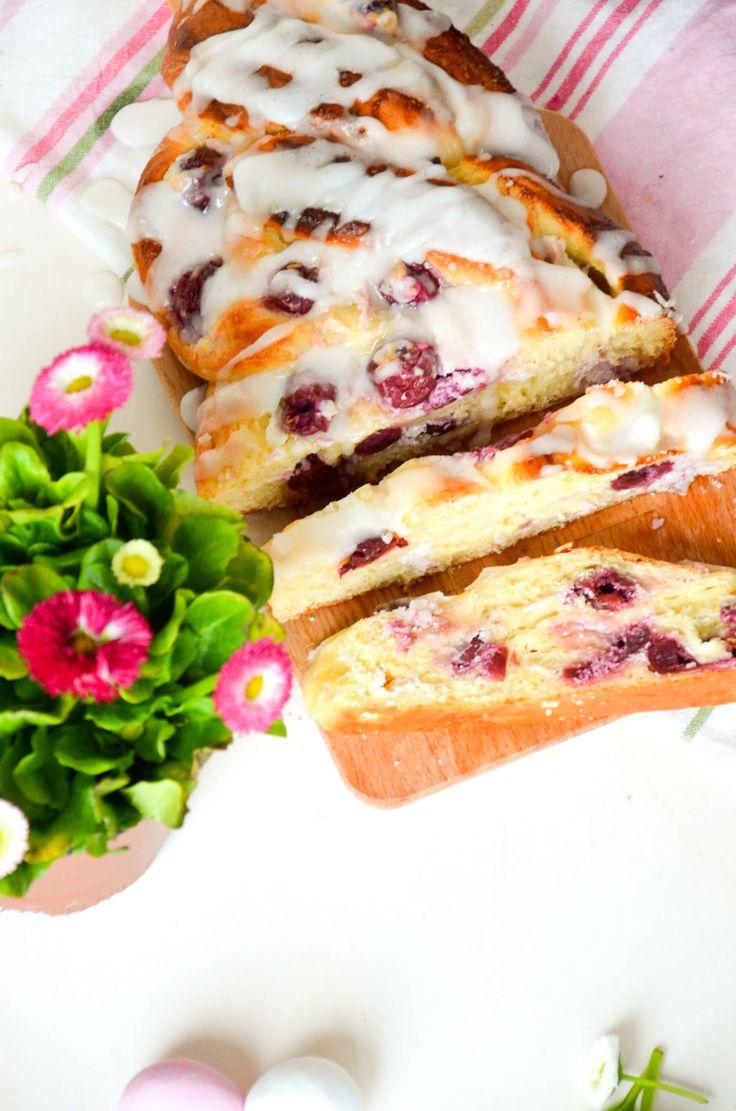 Vanille-Kirsch Topfen-Hefezopf | Baking Barbarine