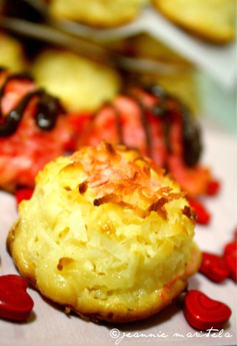 COCONUT MACAROONSDesserts Cookies, Baking Cooking, Cookies Monsters, Cherries Coconut, Lemon Vanilla Coconut, Sweets Treats, Baking Ideas, Coconut Macaroons, Tasty Treats