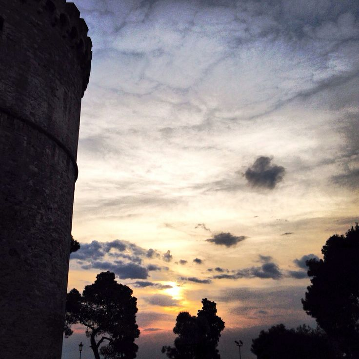 White Tower in Thessaloniki , Greece #sunset