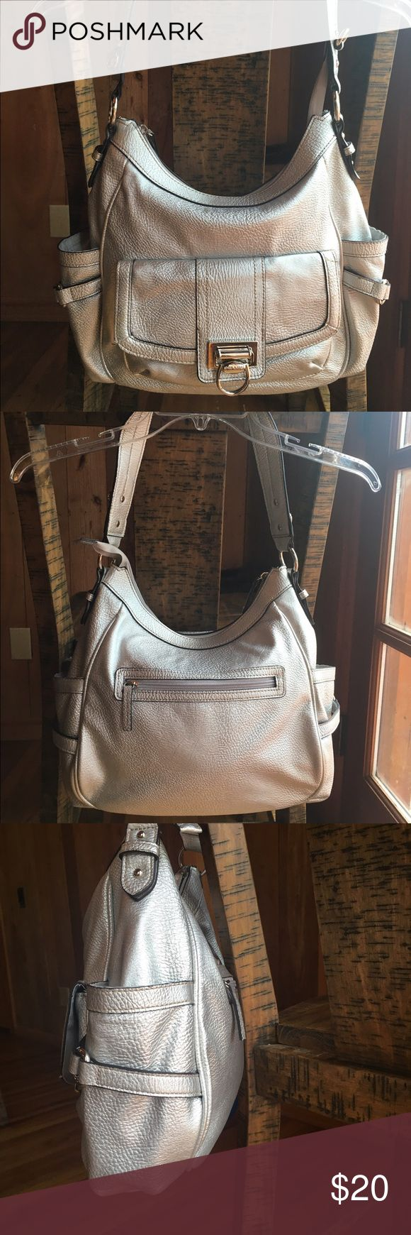 CHAPS Silver Shoulder Bag Chaps Silver shoulder bag.Lot  of storage inside,back zip pockets,and side pockets.In good condition.Came from a smoke and pet free home. Chaps Bags Shoulder Bags