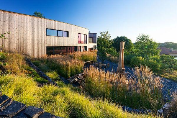 #atelier-partero #zahrada-roku #grassy-garden