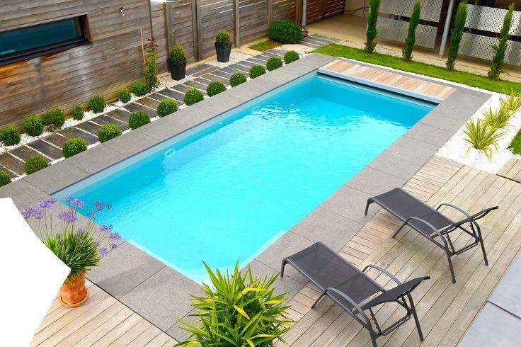 La piscine paysag e par l 39 esprit piscine 8 x 3 5 m rev tement gris clair - Mini piscine creusee ...