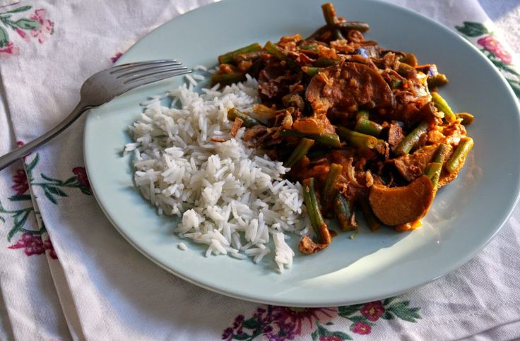 ♥ Kookblog Lepeltje Liefde - Rode curry met aubergine en sperziebonen