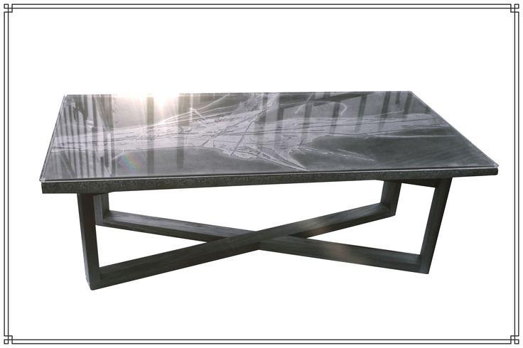 """table en béton à partir de l'oeuvre de Pierre Bellemare """"Calligraphia"""""""