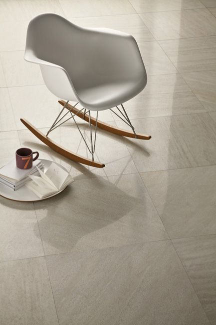 GLAM QUARTZ: a famous armchair and a luxury floor covering #eames #vitra #marble #marblefloor #designtiles