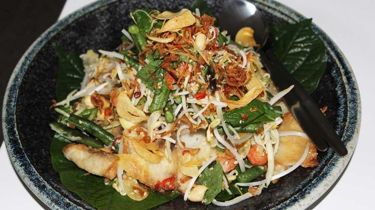 Crispy Fish with Long Beans and Green Mango