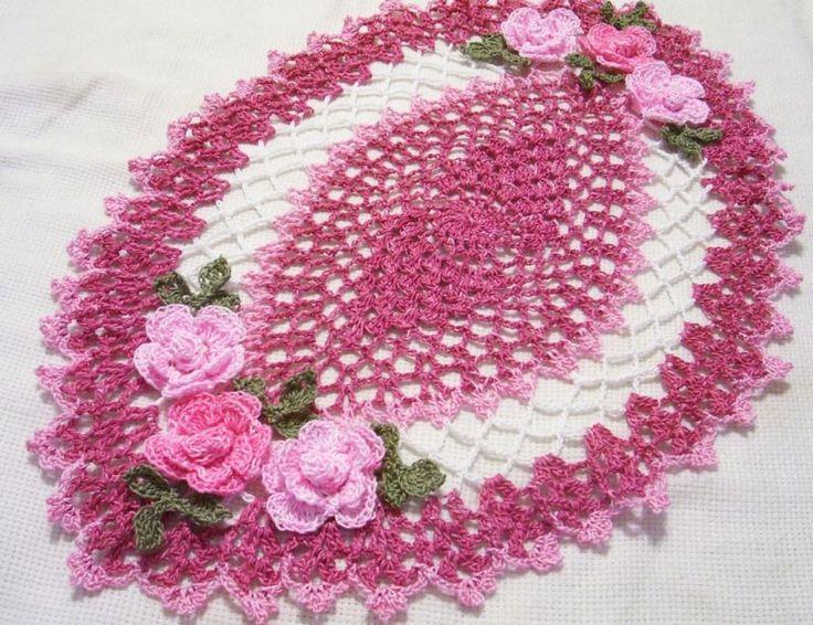 Dusty Rose, Rosa Rose Oval Centro De Mesa * Rosas Doily By aeshagirl
