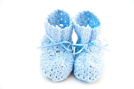 The Baby booties crochet pattern for newborn and up to 3 years. Lovely booties as a gift & a easy crochet pattern. You will need merino wool & a hook. Baby shoe.   baby crochet pattern   cute crochet pattern   booties crochet   childrens crochet pattern   newborn crochet pattern   gift idea for mommy   baby crochet idea. Click to purchase or repin to save it forever.