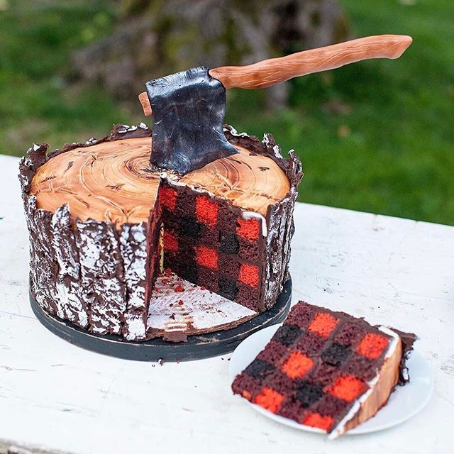 I can't even put into words how BEAUTIFUL this Lumberjack Cake is by @jennycookies !!