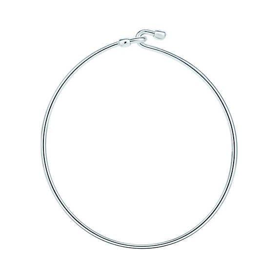 Wire bracelet in sterling silver, medium.