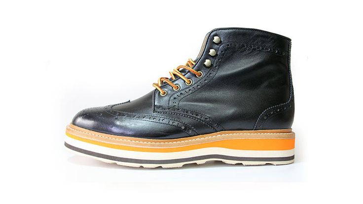 Wingtip boots+layered sole