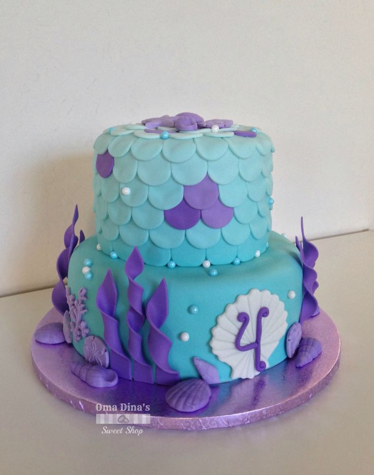 Under the sea fondant two tiered cake. #mermaid #underthesea