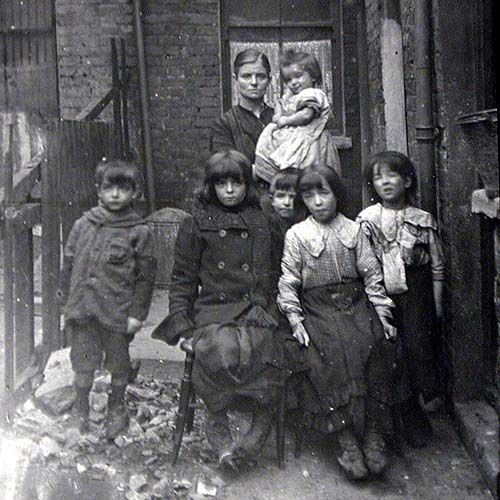 mpoverished family, in London, 19th Century