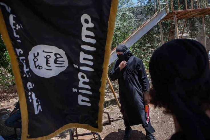 """How ISIS is so terrifyingly effect at seducing new recruits. """"ISIS has a reality distortion field that only Steve Jobs would have dreamt of."""" Photo: Daniel Leal-Olivas/Corbis"""