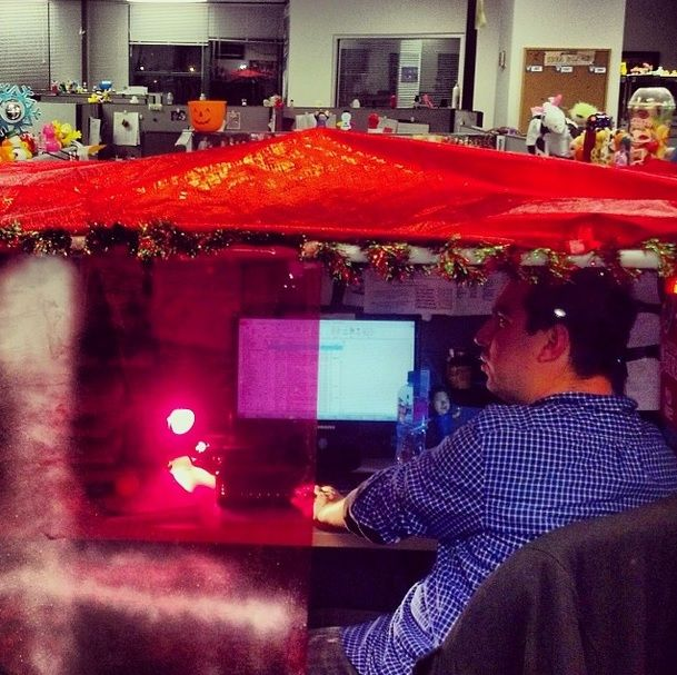 Adam 39 S Cubicle Looks Very Festive This Year Too Funny