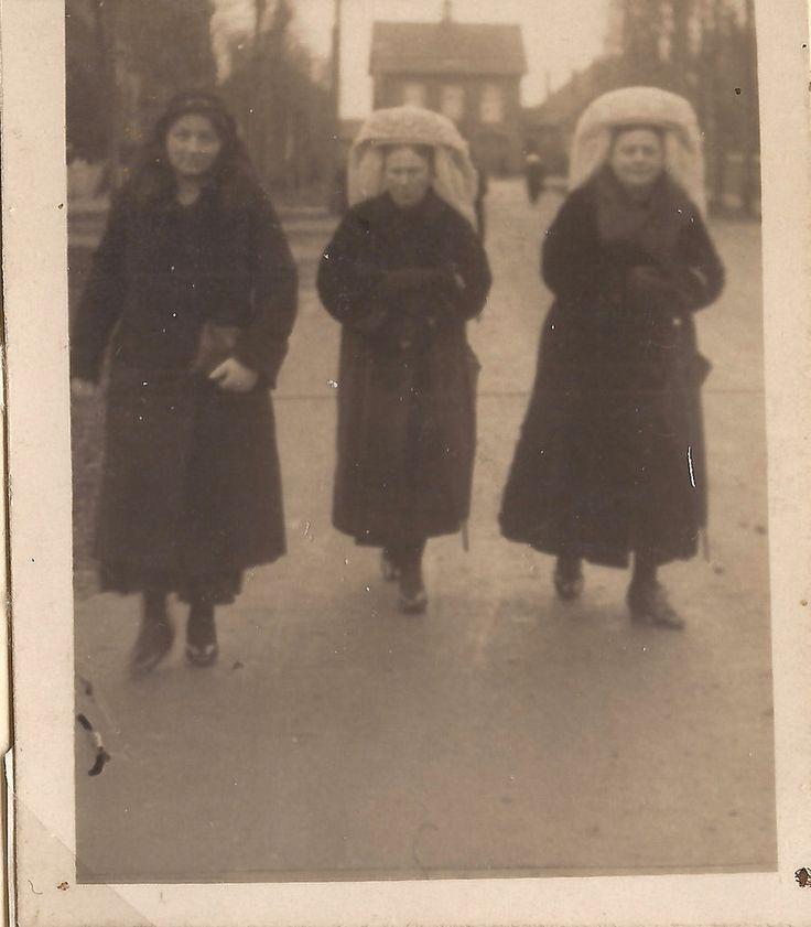 Drie zussen van Poppelen
