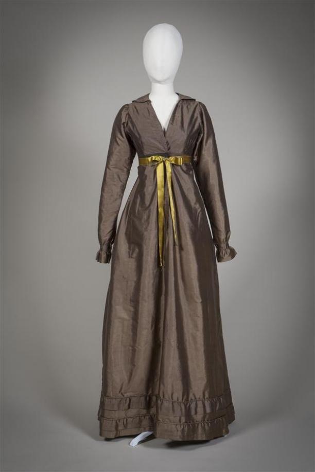 Dress (wrapper?), c. 1815-18. Gemeentemuseum Den Haag.
