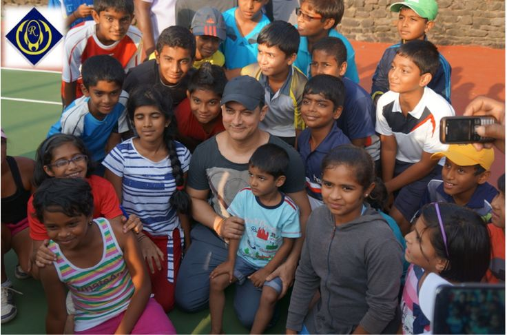 Mr. Perfectionist of the Bollywood, #AamirKhan with the participants of Summer Super Slam Tennis Tournaments at Ravine #Hotel.