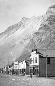 Frankslide Interpretive Centre (Crowsnest Pass) is the site of Canada's deadliest natural disaster. On April 29, 1903, at 4:10AM, 82 million tonnes of limestone came crashing down Turtle Mountain killing at least 90 people in 90 seconds. Open year round.