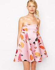 Alice McCall – Ausgestelltes Kleid mit Lippenmuster und Herzausschnitt