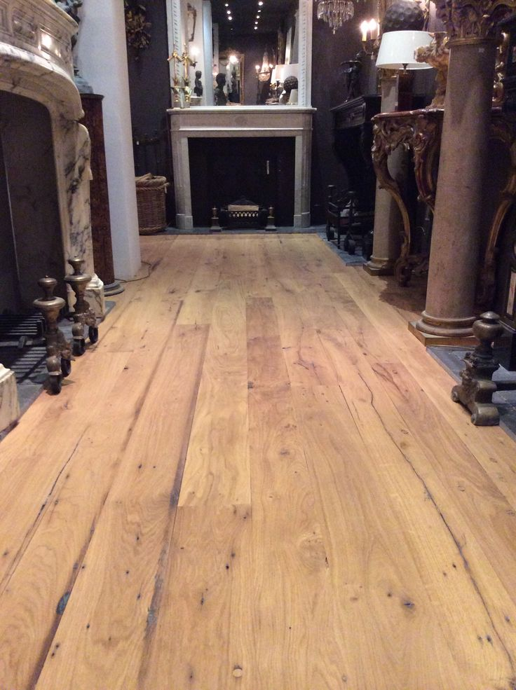 Beautiful rustique oak wood floor