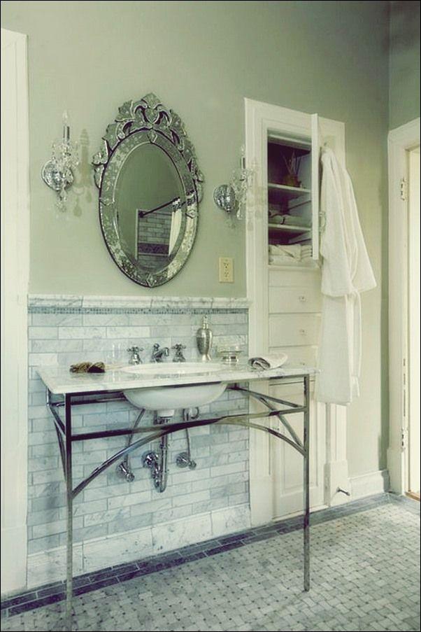 Antike Badezimmer Mit Trendiger Ausstrahlung Runde Badezimmerspiegel
