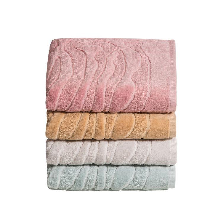 Vossen Handtücher Passion lotus in besonders flauschig weicher Baumwolle. Das saugfähige Material macht die Frottiertücher im einfarbigen Camouflage Design einzigartig. Das Hoch- Tief Muster gibt den Badtextilien einen modernen Touch. #hantücher #towels #coloroftheyear2016 #farbedesjahres2016 #pastell #pastellparben www.bettwaren-shop.de