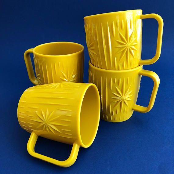 Vintage Atomic Starburst Mustard Yellow Plastic Mugs Set of 4