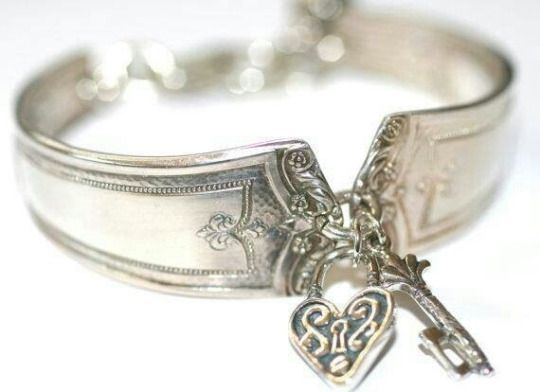 silver collar - gorgeous