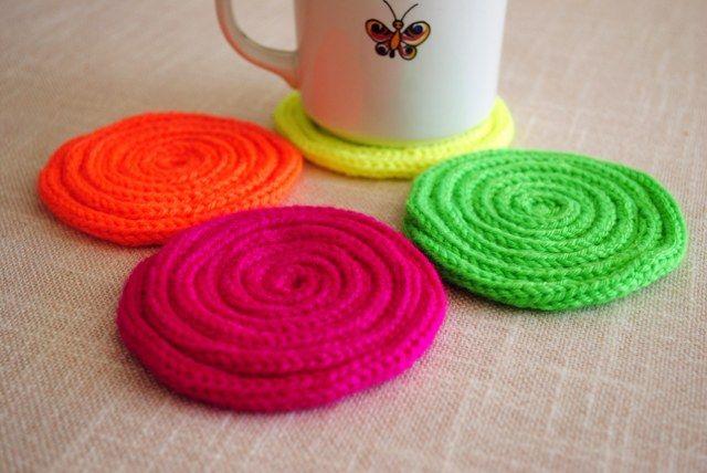 Tricotin coasters by Manufaktura riki tiki
