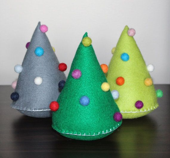 Add the finishing touch to your Christmas decorations with this felt Christmas tree. This listing is for ONE large Christmas tree. Smaller trees also
