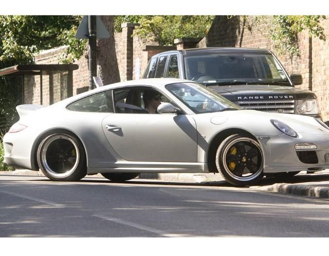 He get's the girls and he get's the cars! Check out #OneDirections #HarryStyles' Porsche 911 Sport and the rest of his epic car collection by hitting the image...