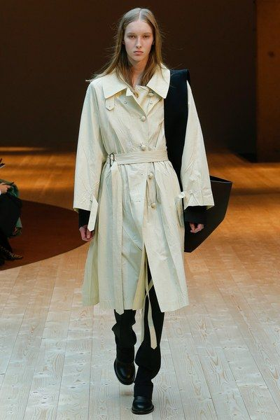 See the complete Céline Fall 2017 Ready-to-Wear collection.