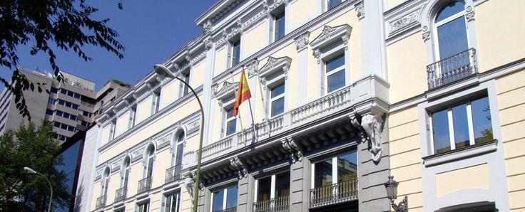 Vocal del Consejo General del Poder Judicial clausura el curso de la Escuela de Práctica Laboral http://www.um.es/actualidad/gabinete-prensa.php?accion=vernota&idnota=49711