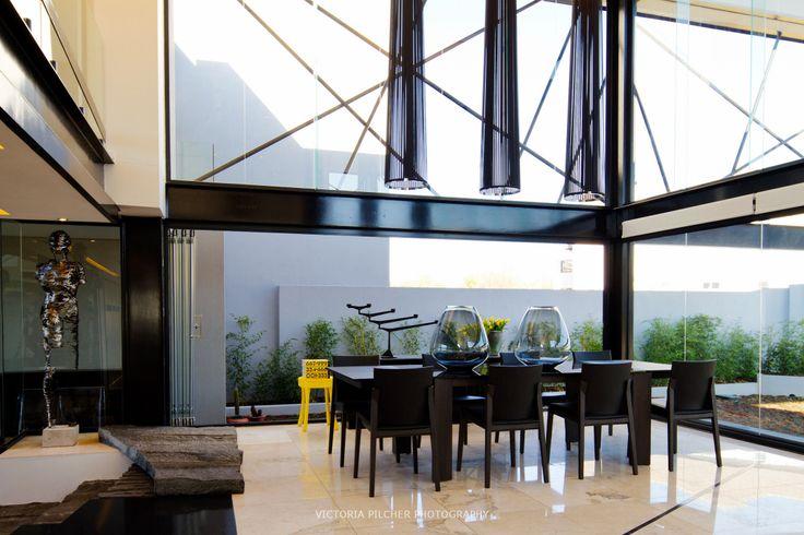 Dining area House Ber - Nico van der Meulen Architects